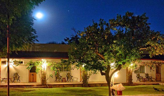 Die Gästefarm in der namibischen Nacht