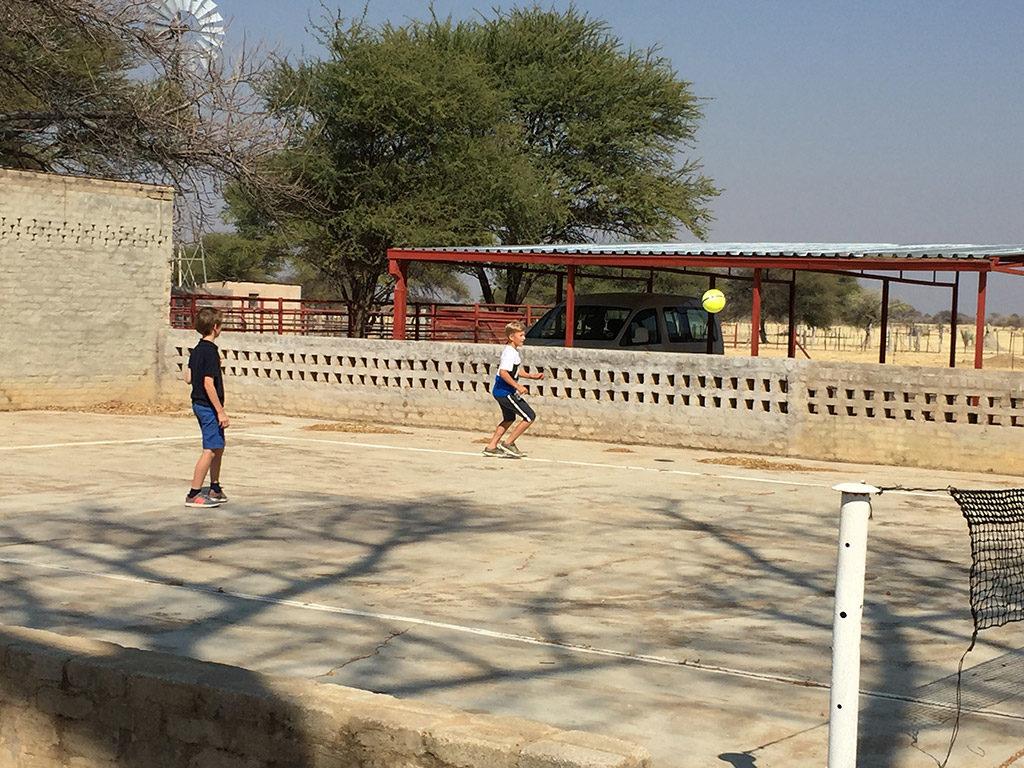 Unser Tennisplatz auf der Gästefarm